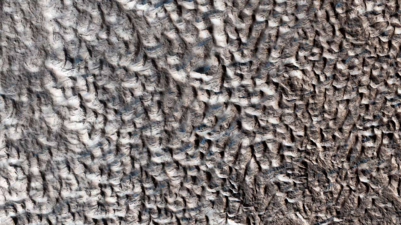 NASA says this strange 'brain terrain' is a Mars mystery