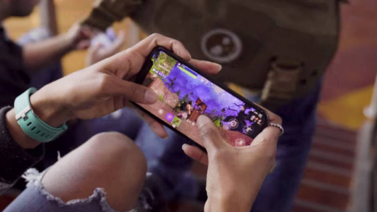 Fortnite gets iOS stability update, but voice chat remains