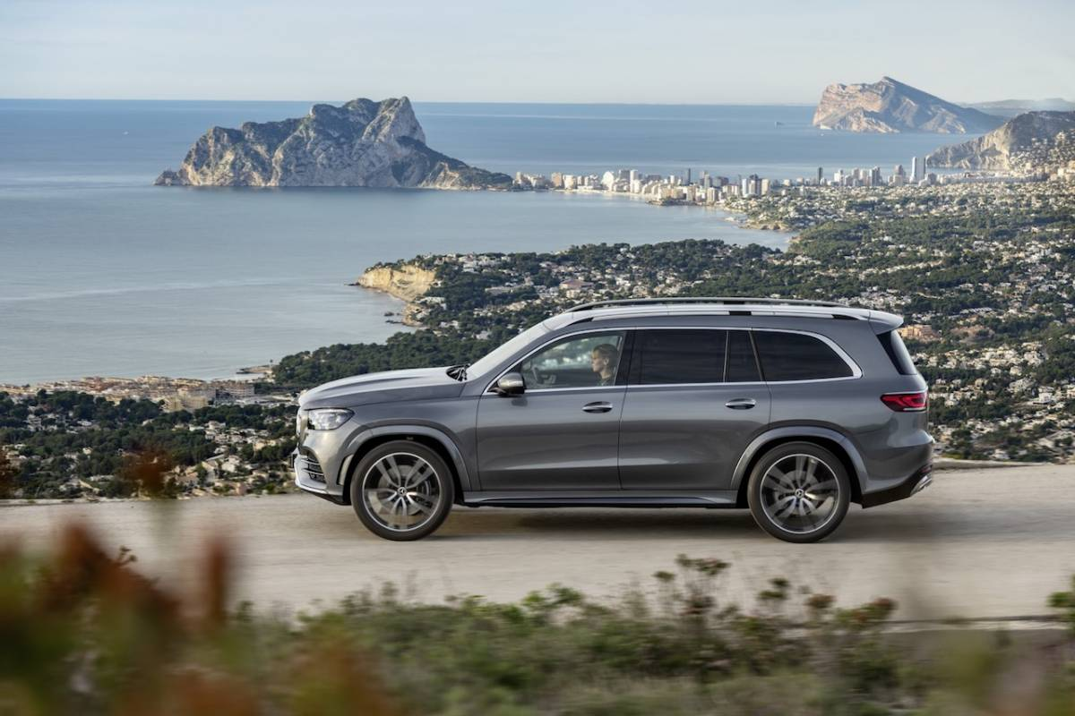 2020 Mercedes-Benz GLS: Redesign, Options, Release >> 2020 Mercedes Benz Gls Packs Full Size Suv With Gadgets Slashgear
