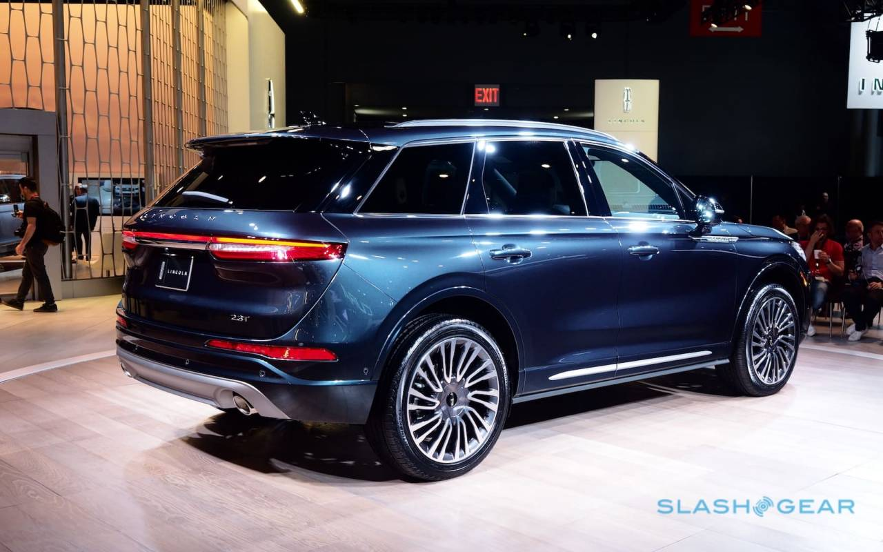 2020 Lincoln Corsair brings Navigator style to luxury