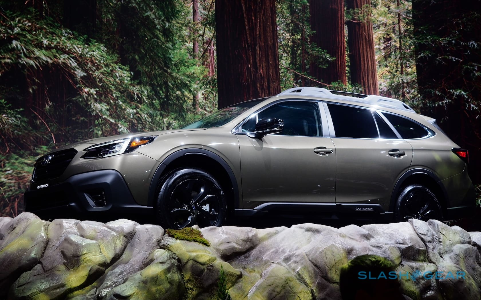 Subaru Eyesight Video >> 2020 Subaru Outback adds turbo and huge touchscreen to fan ...