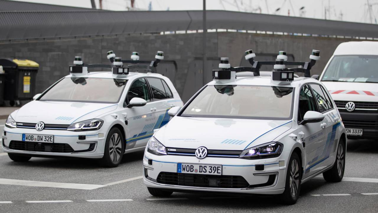 VW built a fleet of self-driving e-Golf for a groundbreaking smart city trial