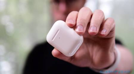 Apple AirPods (2019) Gallery