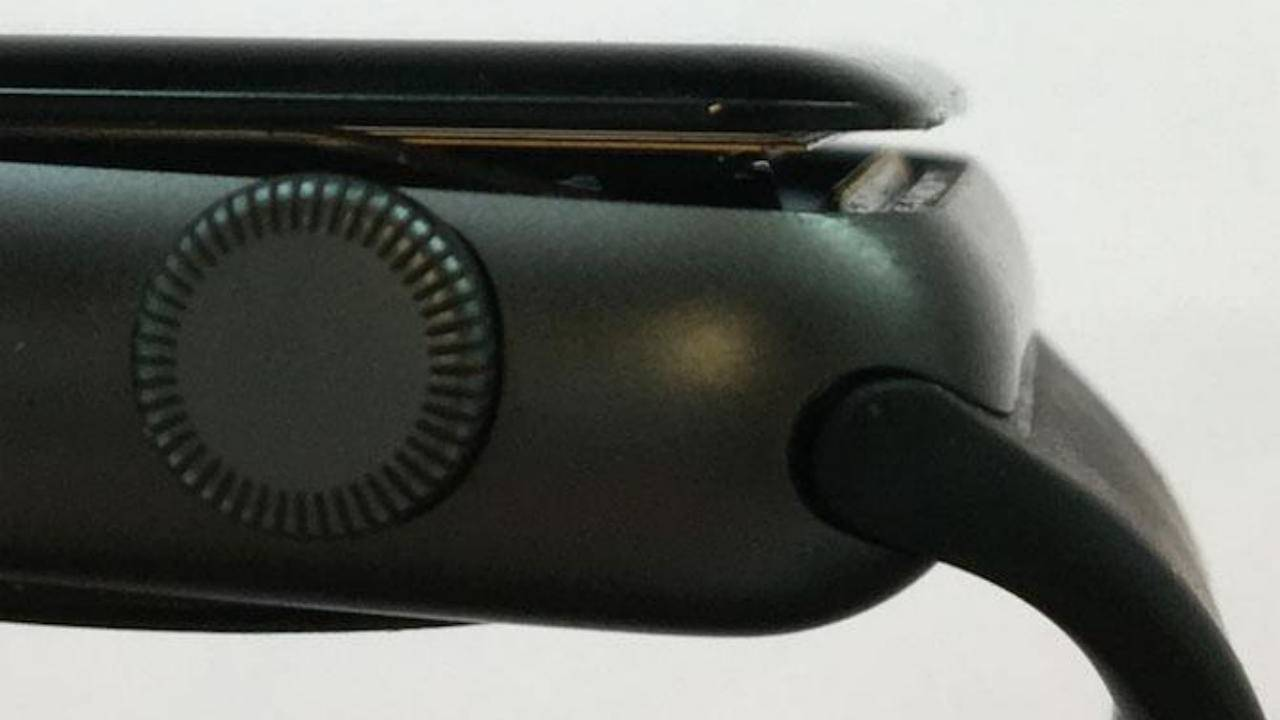 Apple Watch battery swelling has finally lead to a lawsuit