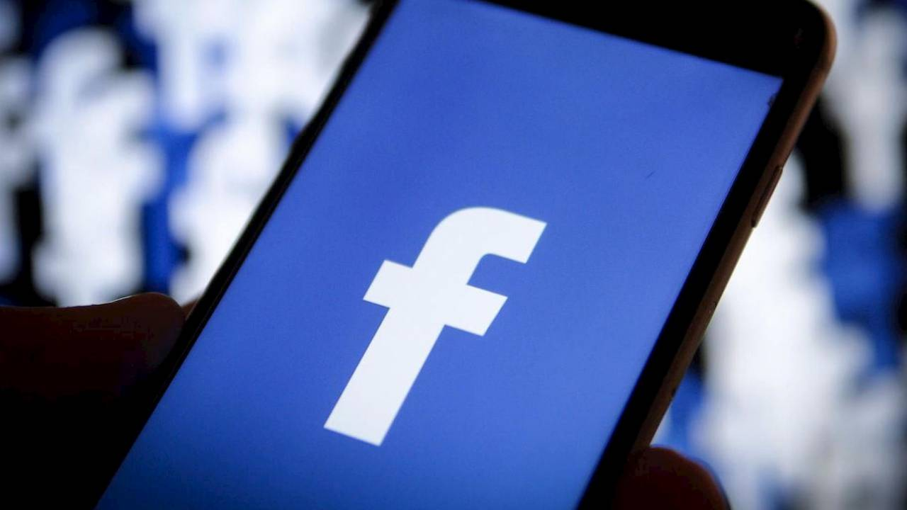 Facebook may overhaul News Feed to force Stories upon users