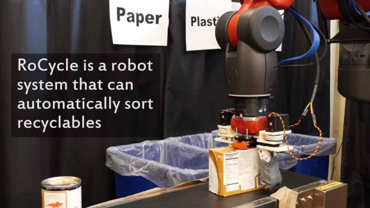 MIT's recycling robot automatically sorts the trash