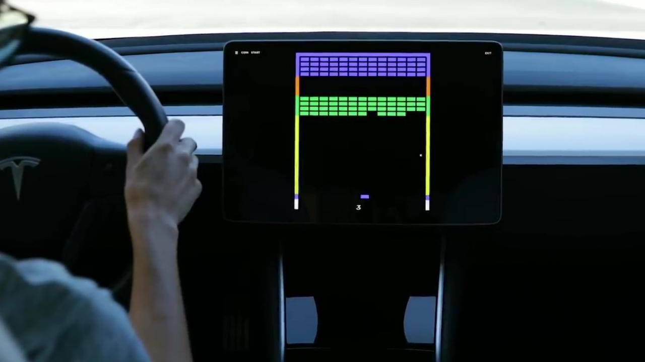 Tesla will soon let you play Super Breakout in your car