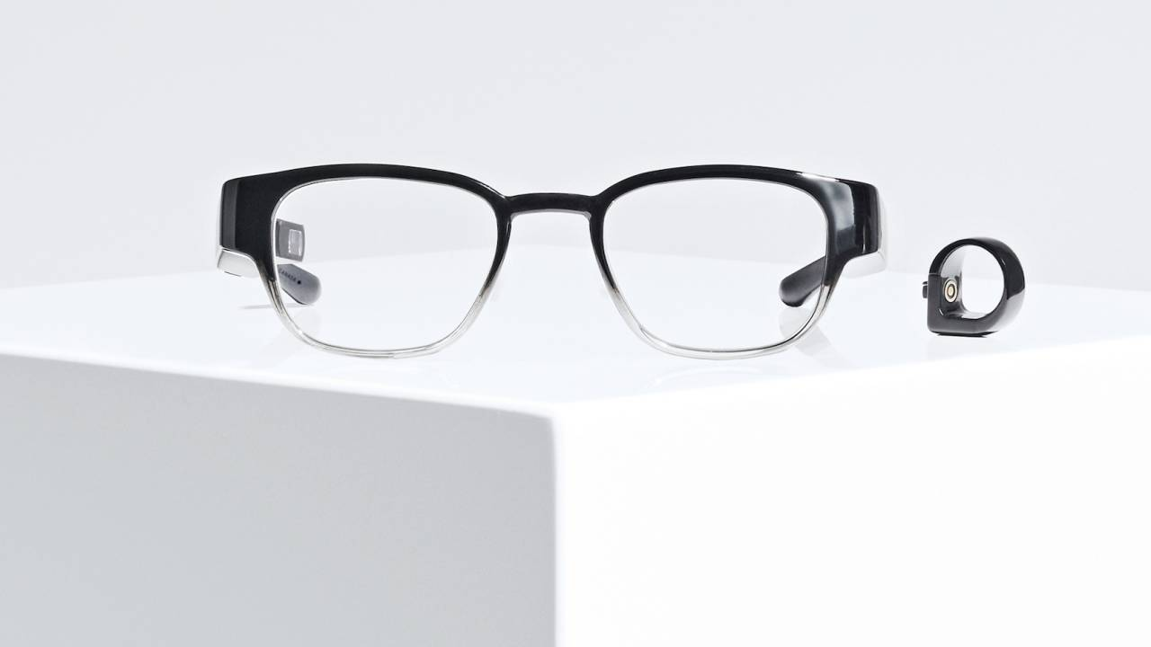 North Focals conversation mode silences smart glasses when you're chatting