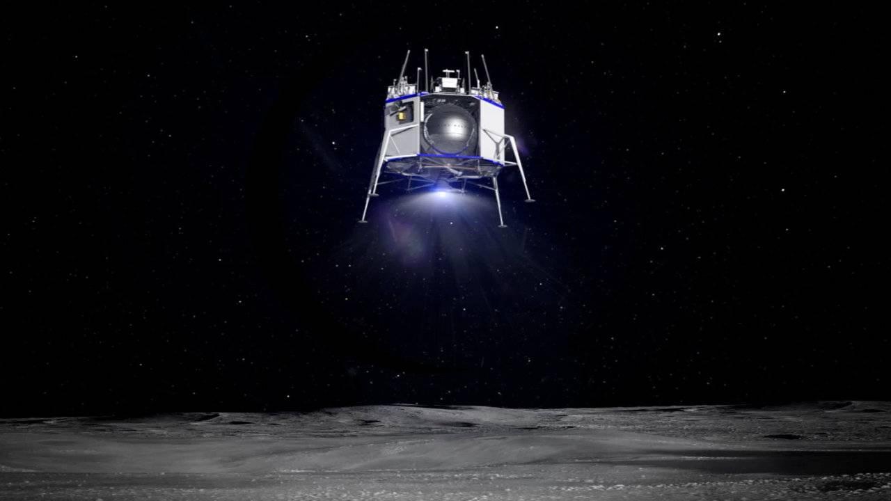 Blue Origin unveils lunar lander 'Blue Moon' and BE-7 rocket engine