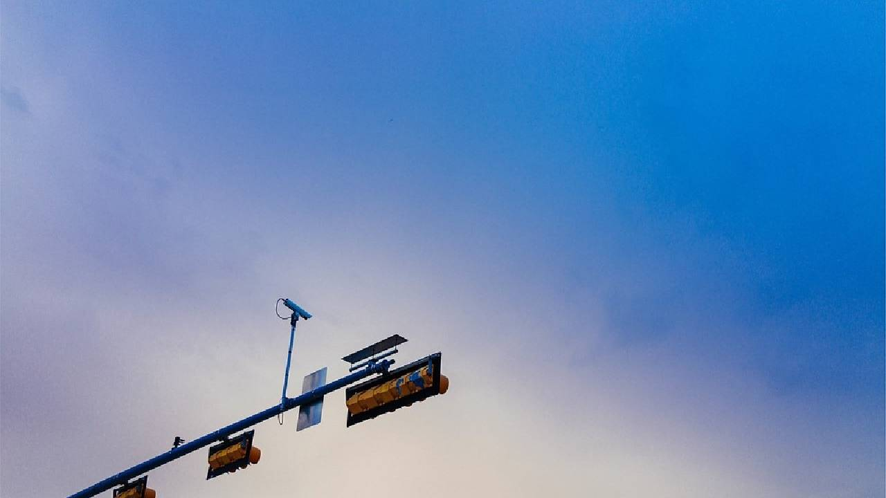Texas is one step away from banning red light cameras