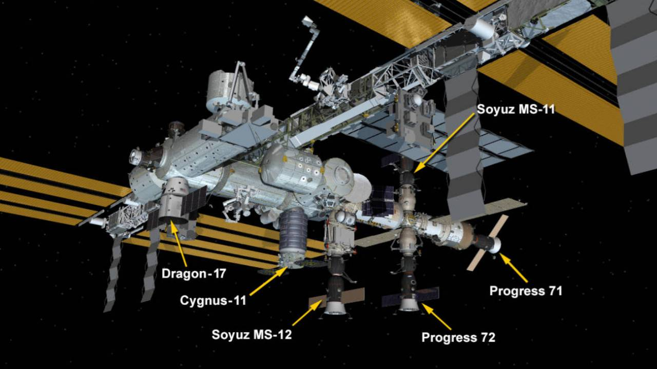 SpaceX Dragon cargo spacecraft successfully docks with ISS