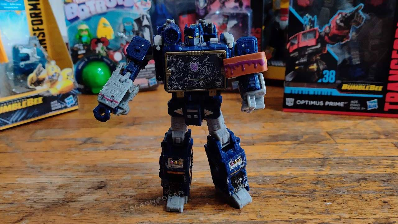 Inside the Transformers 35th Anniversary Celebration Box: Spring, 2019