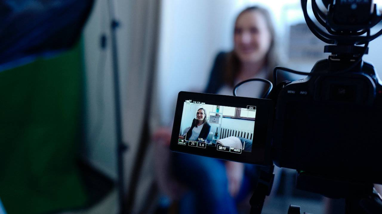 Facebook video ranking tweak gives original content priority
