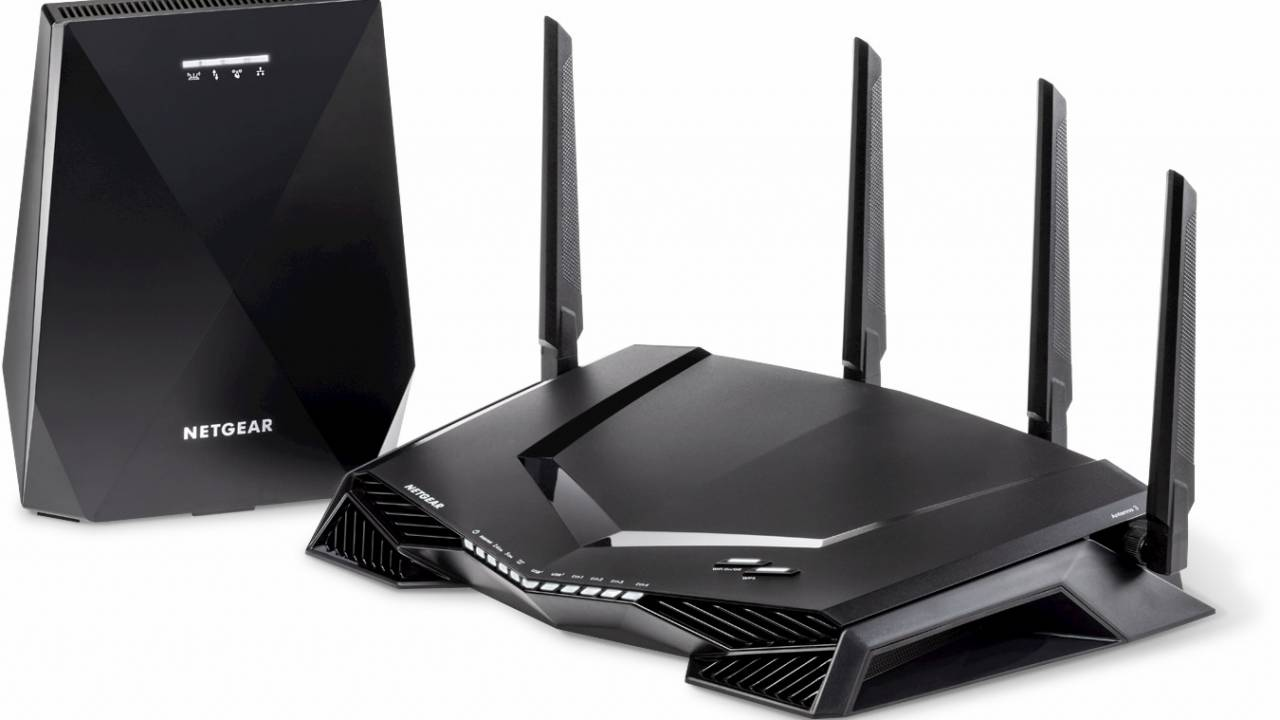 Nighthawk XRM570 Pro Gaming mesh router wages war on lag