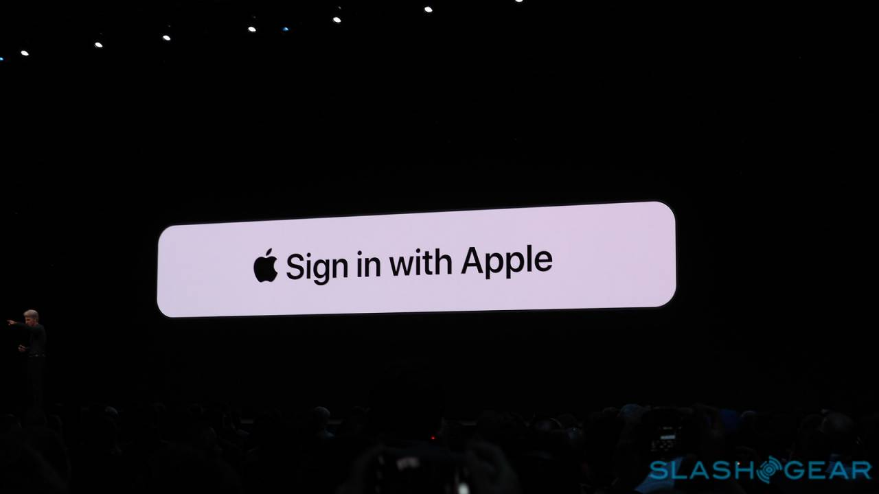 Sign in with Apple throws privacy shade at Google and Facebook