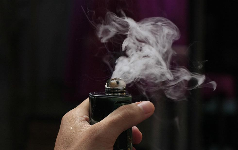 Vaping firms get nicotine warning as Feds target influencer promos