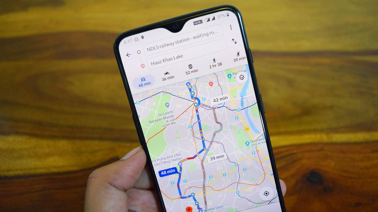 Google Maps will start showing users welcome offers from stores