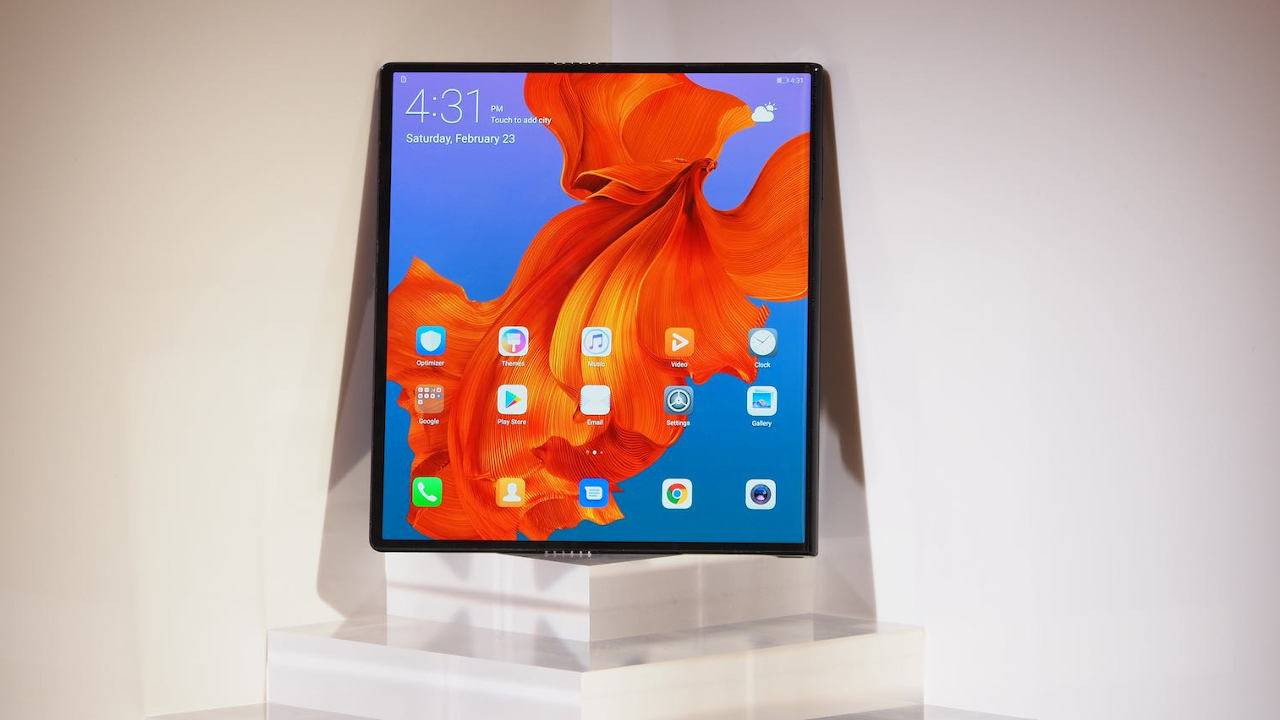 """Samsung foldable """"outie"""" design now rumored to be ready as well"""