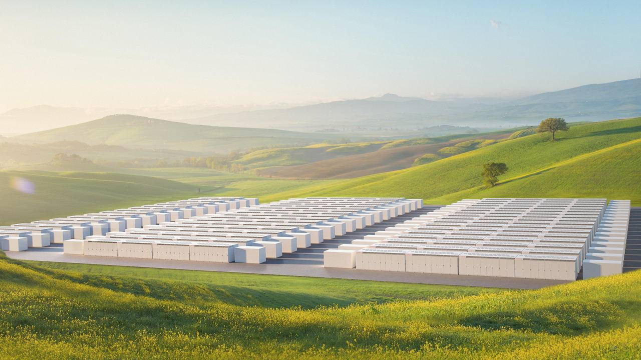 Tesla Megapack large-scale batteries to power utility-size projects