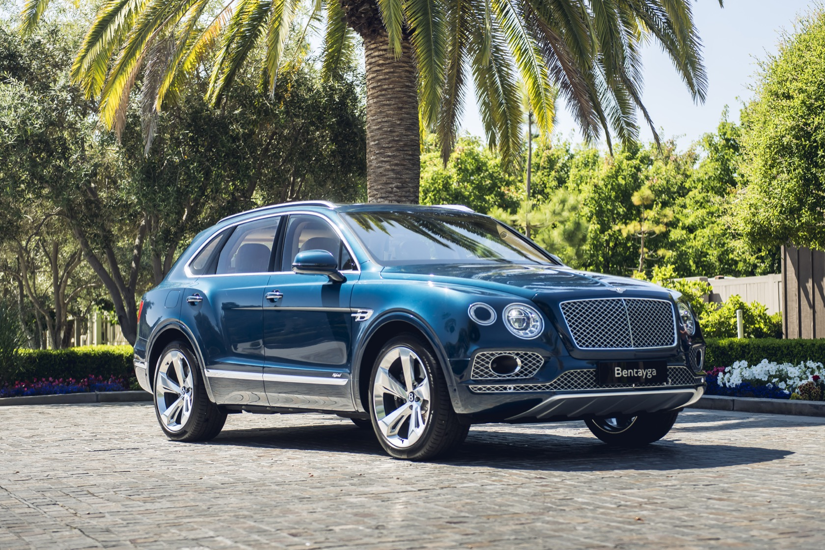 2020 Bentley Bentayga Hybrid First Drive: Charged With