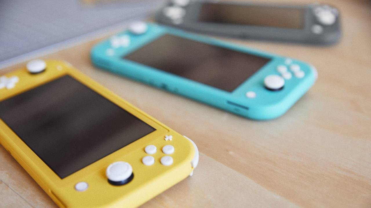 Nintendo opens up Switch Lite pre-orders