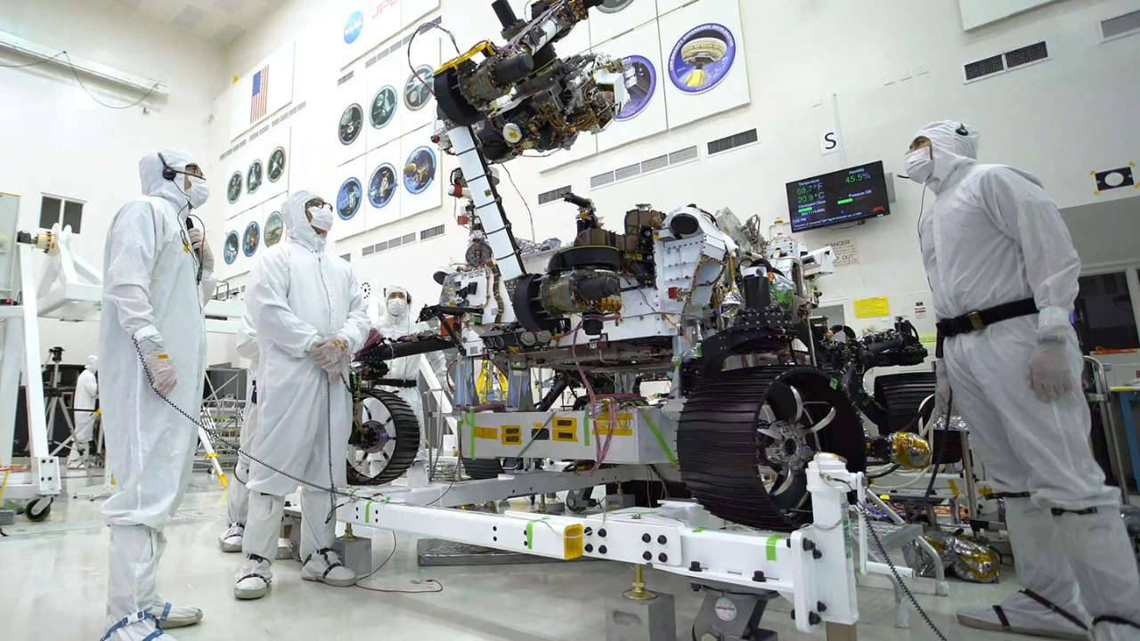 NASA Mars 2020 rover's arm performs 88lbs 'bicep curl' on video