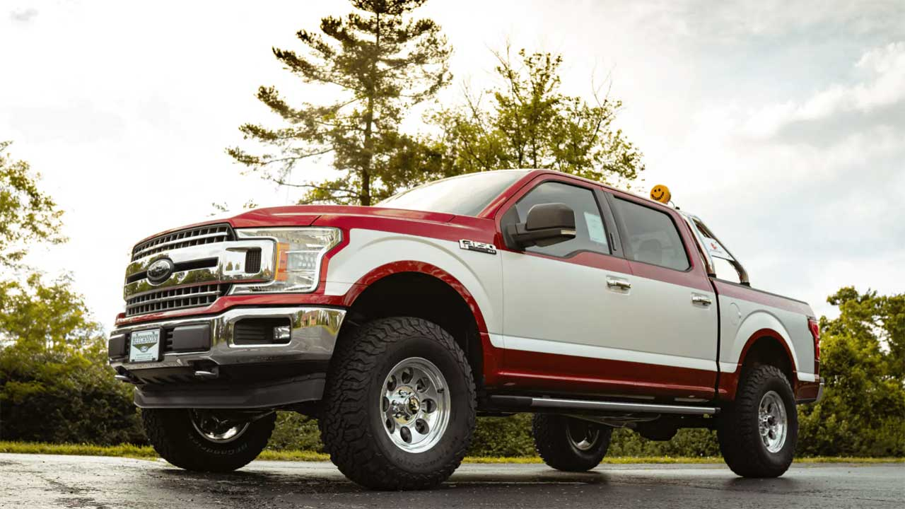 New Ford Truck >> Bfp Retro F 150 Brings Old School Style To A New Truck