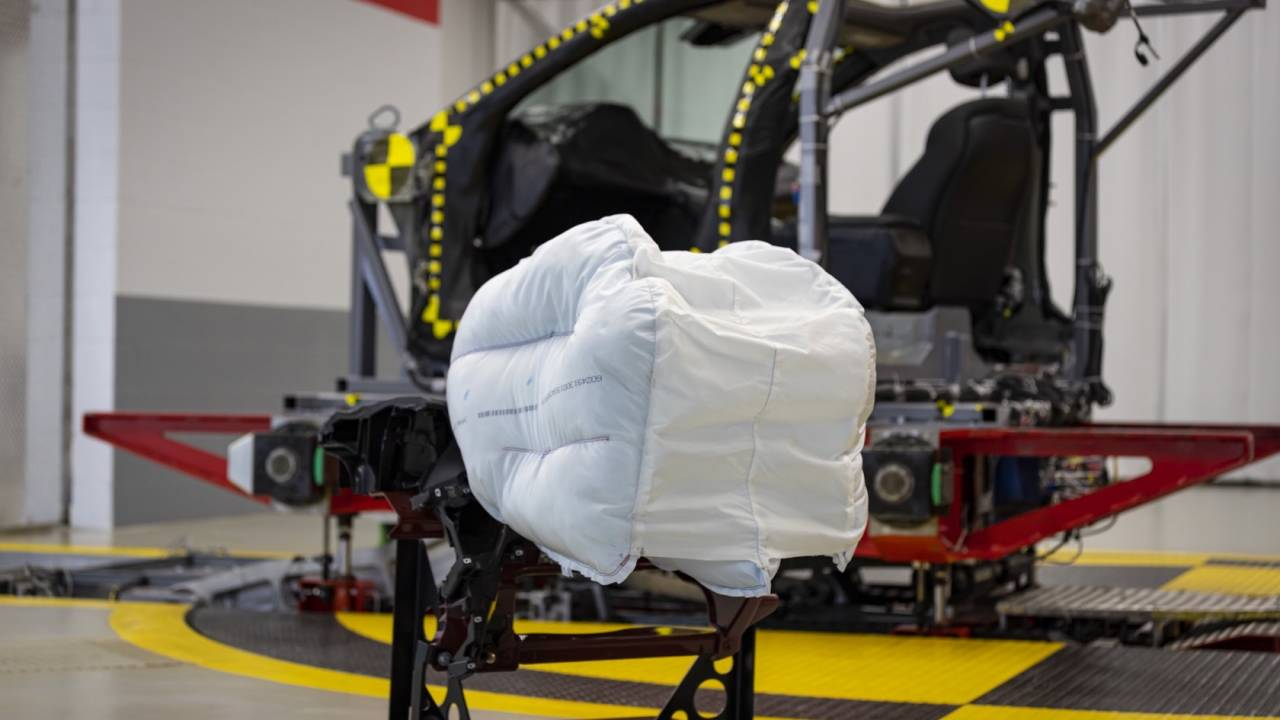 New Honda airbag grabs your head like a baseball mitt – and that's a good thing