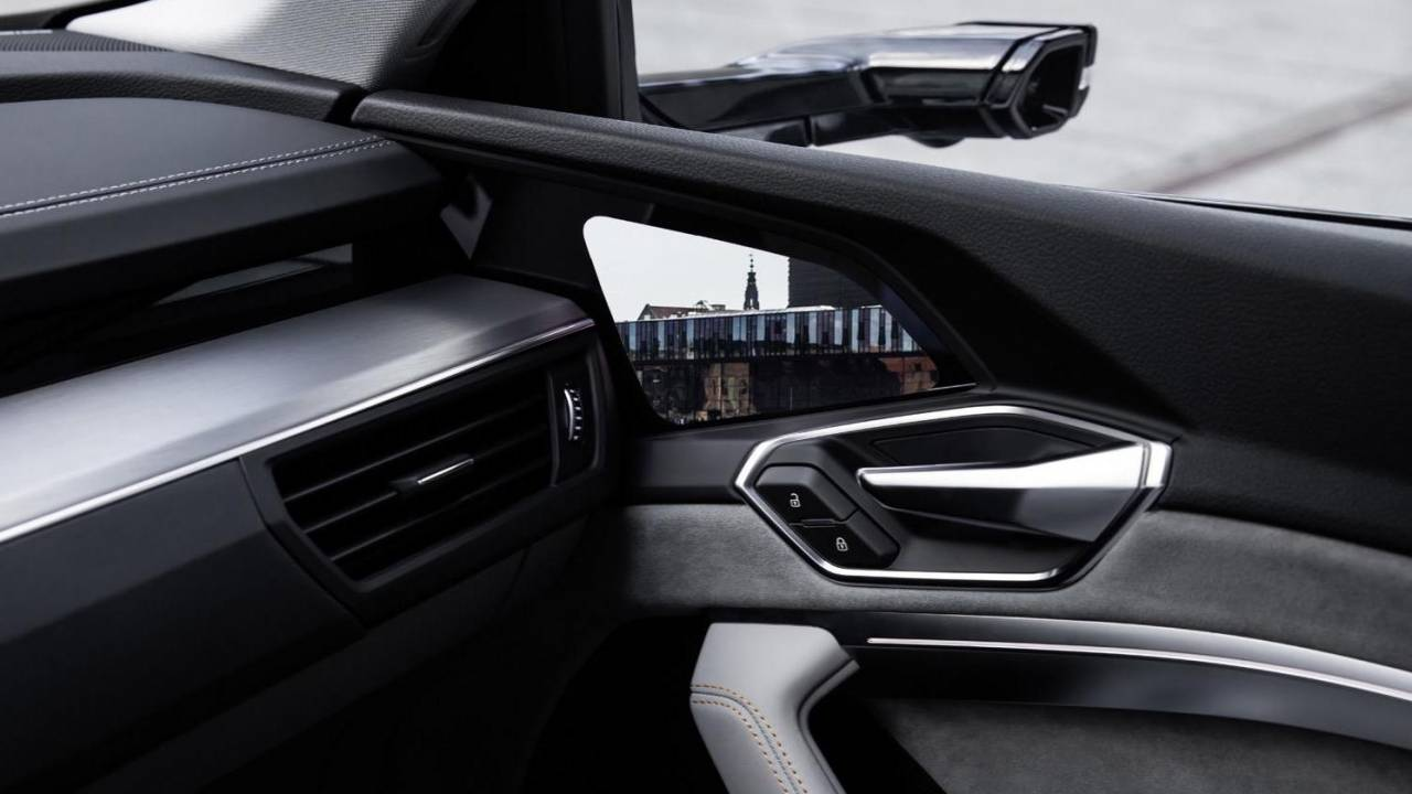Car camera side-mirrors could finally get US approval