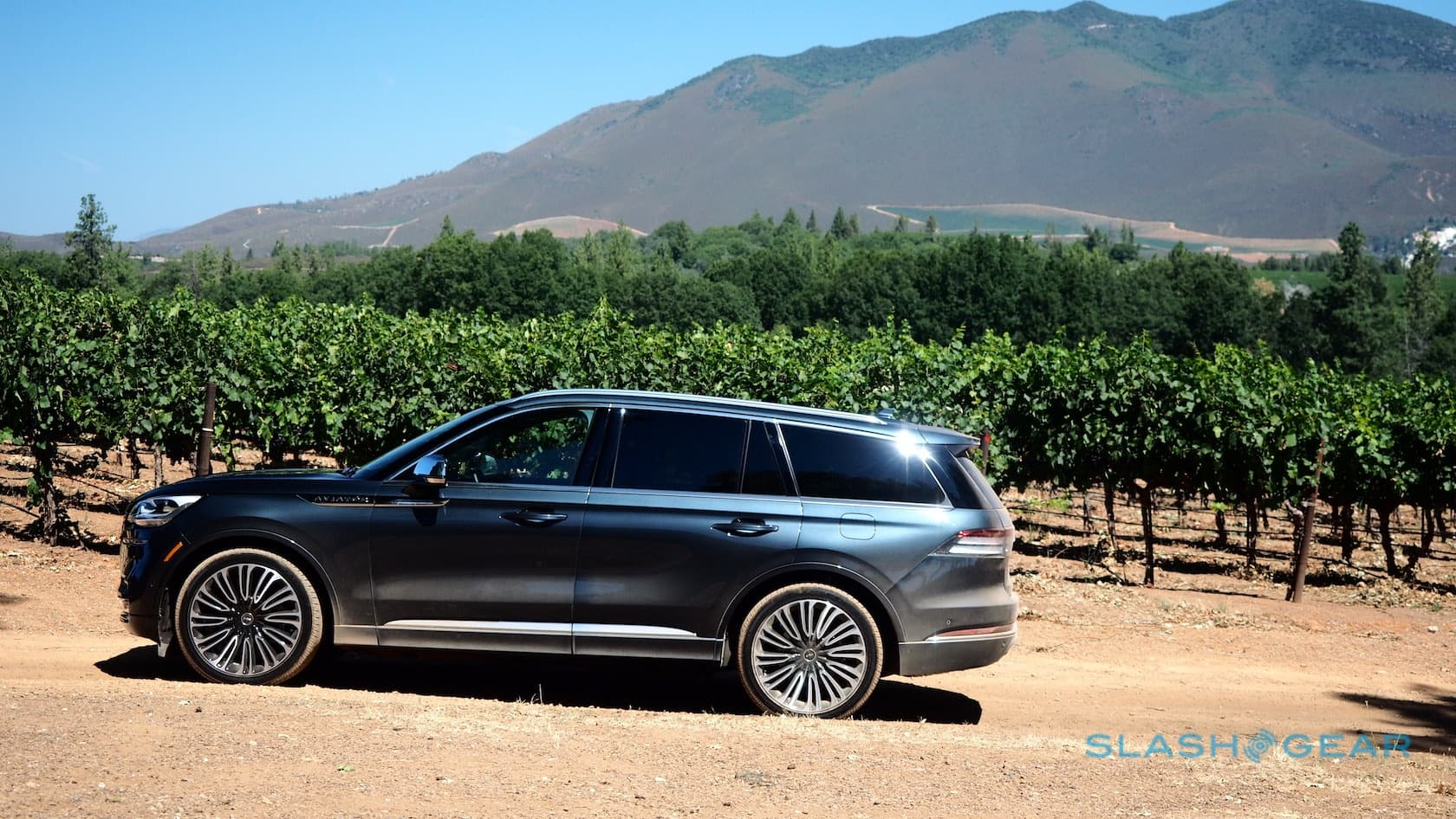 Cars With 3 Rows Of Seats >> 2020 Lincoln Aviator First Drive Grand Touring Hybrid Is
