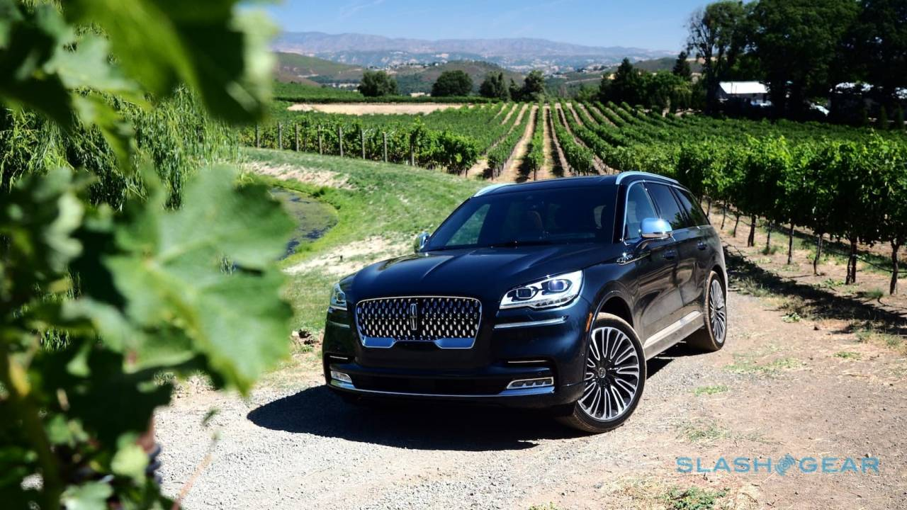 2020 Lincoln Aviator First Drive Grand Touring Hybrid Is Unapologetic 3 Row Suv Slashgear
