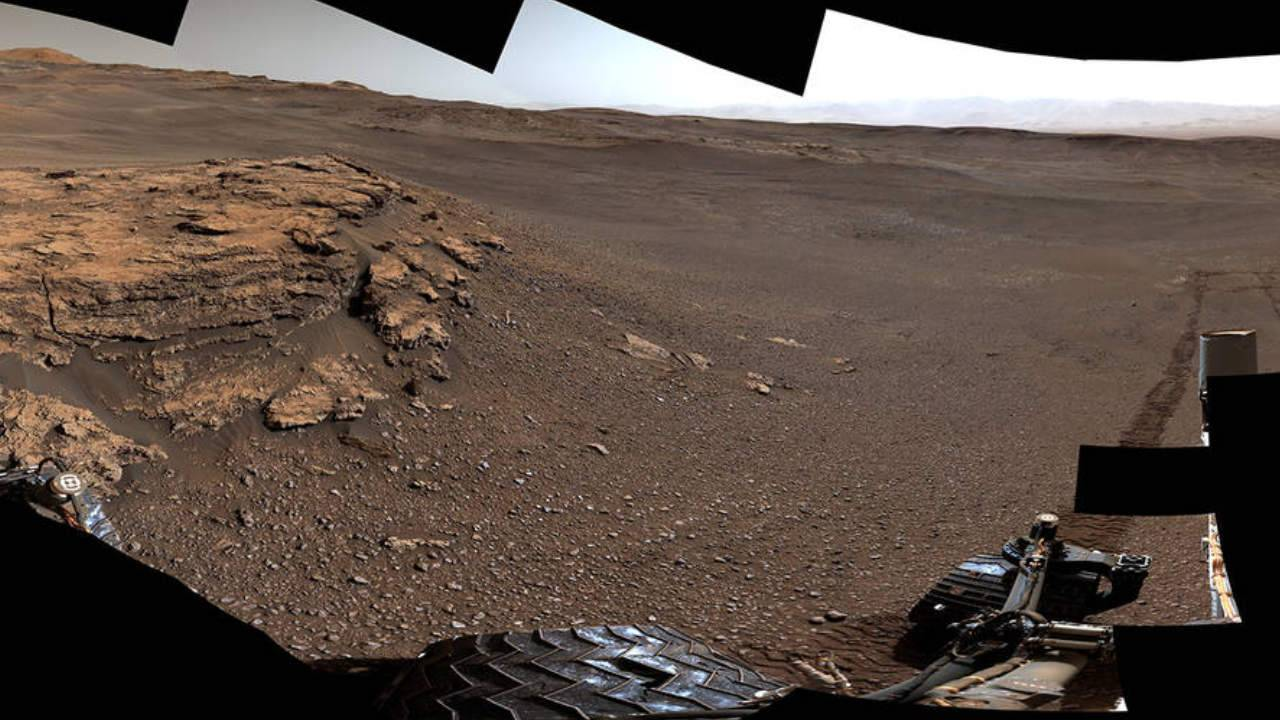 Curiosity's new Teal Ridge panorama shows off dusty Mars landscape