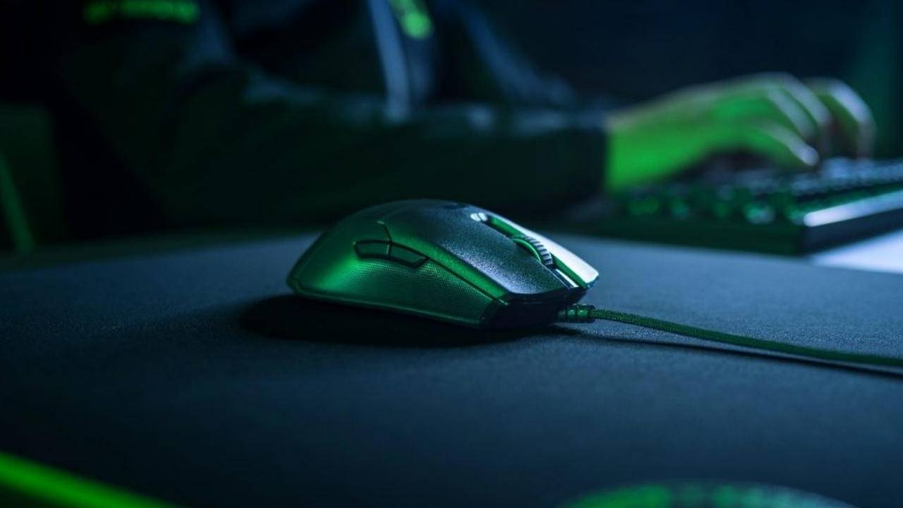 Razer Viper mouse boasts optical mouse switches for faster response