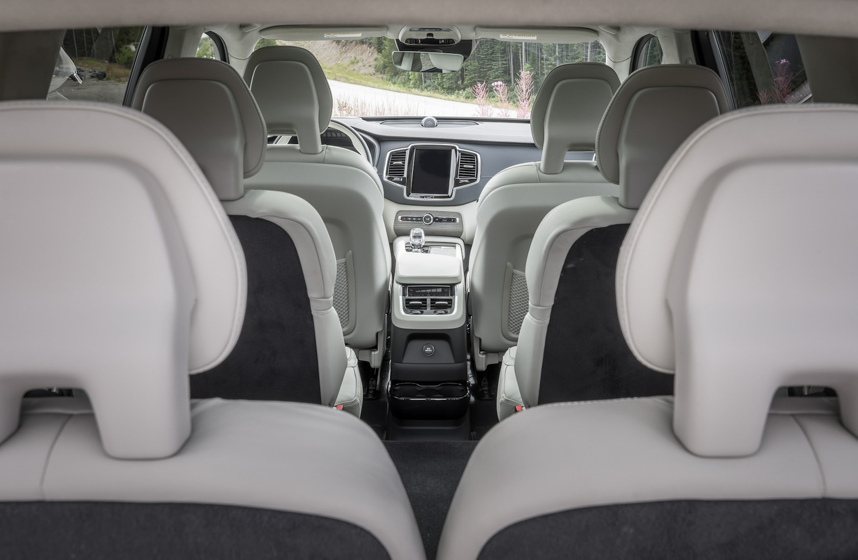 New Volvo Xc90 >> 2020 Volvo XC90 First Drive: T8 hybrid, T6, and smug ...