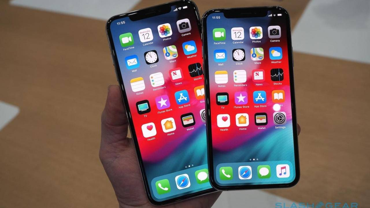 Cook tells Trump that tariffs will hurt Apple's competition with Samsung