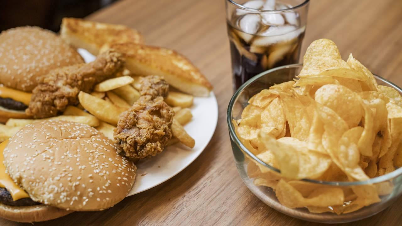 High-fat foods fuel weight gain by tweaking hunger hormones
