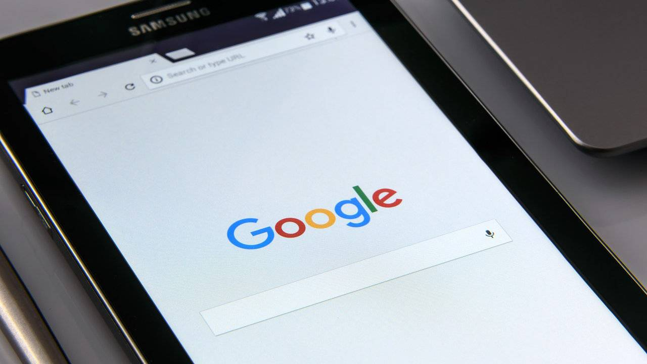 Google Images redesigned with side panel for easily comparing results