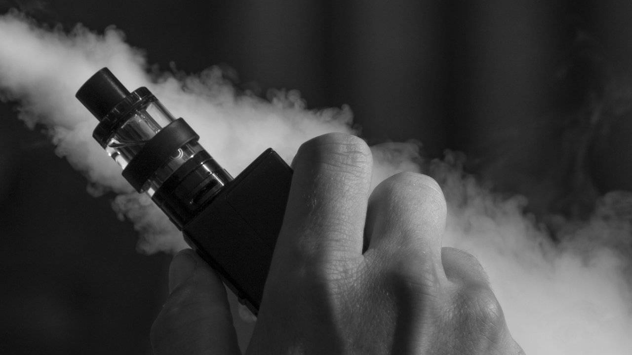 Health officials say vape user with severe lung illness has died