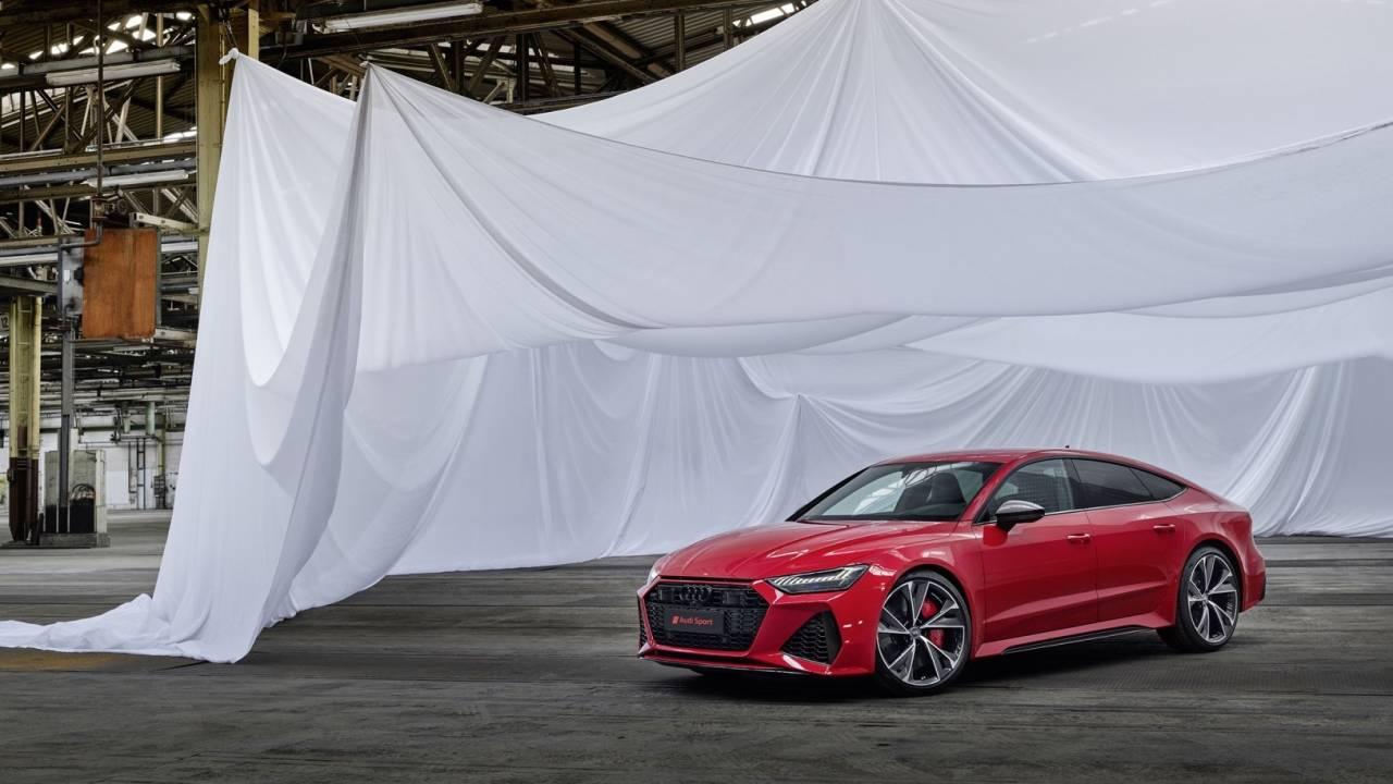 2020 Audi Rs7 Sportback Puts 600hp V8 In Seductive Four Door Coupe Slashgear