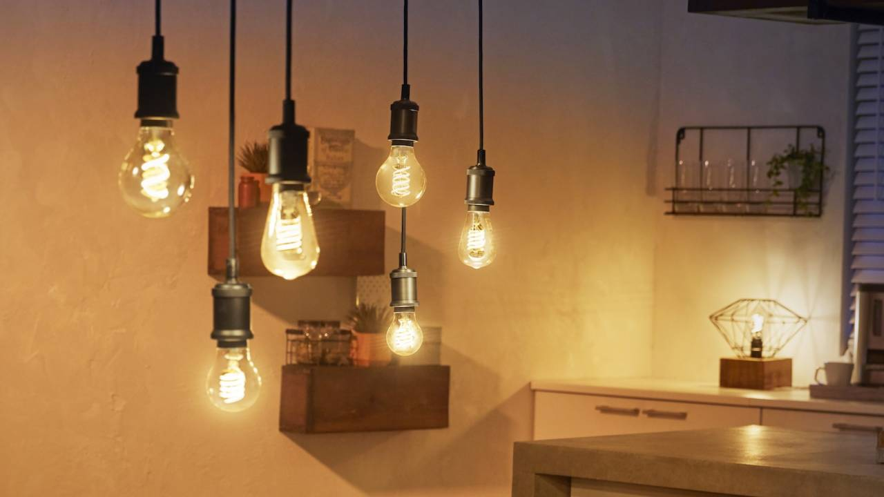 Philips Hue 2019 range adds Edison bulbs, Hue Smart Button, Smart Plug