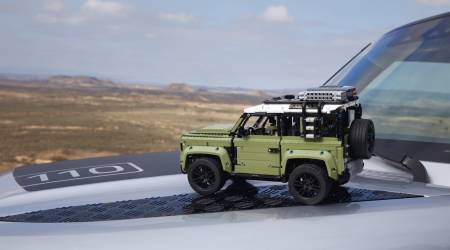 This new LEGO Land Rover Defender is a glorious detail-fest