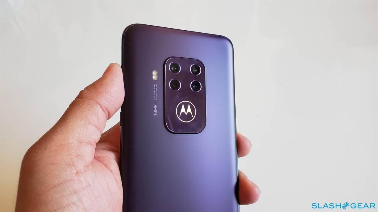 Motorola One Zoom Gallery