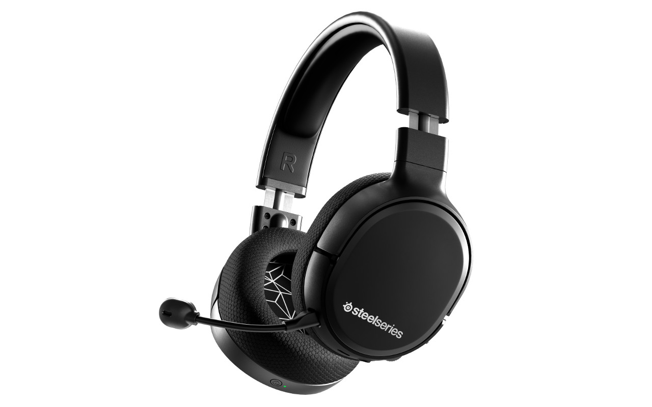 SteelSeries Arctis 1 headset brings wireless chat to
