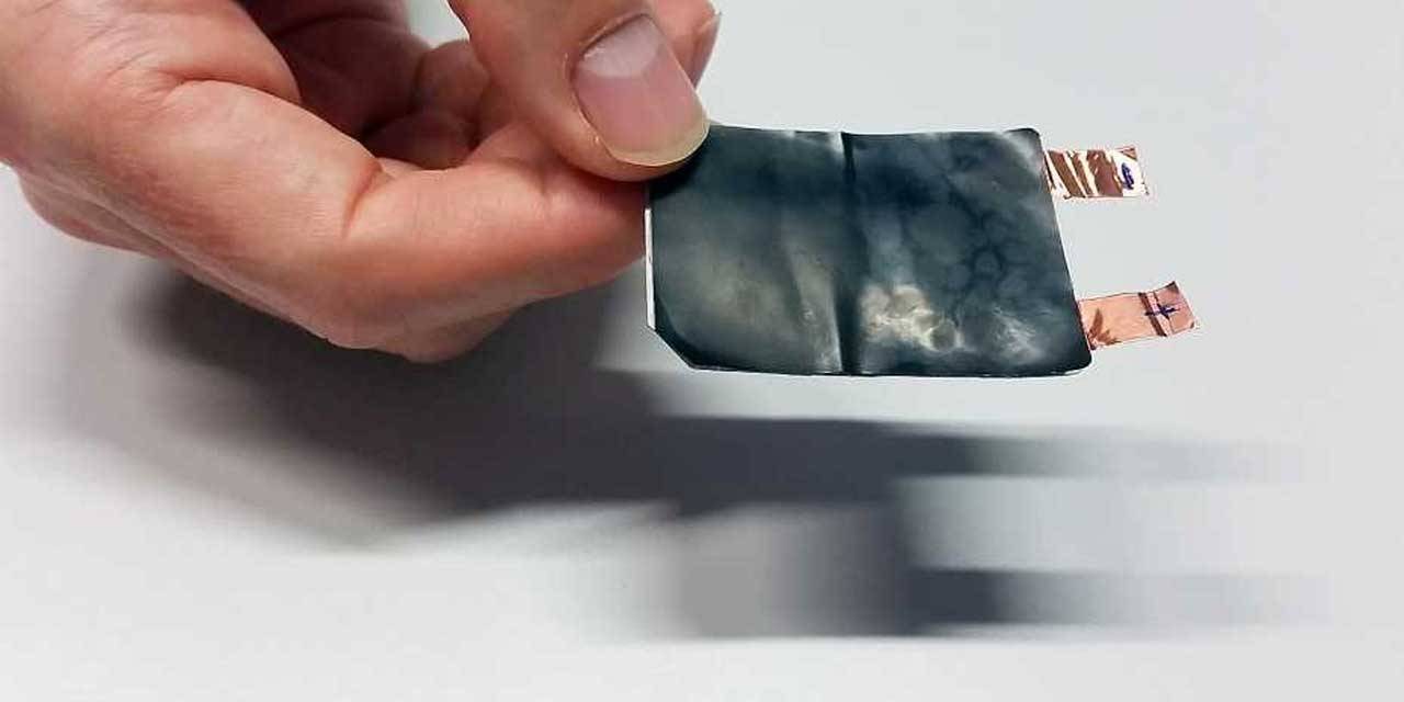 Researchers create a battery that bends and flexes