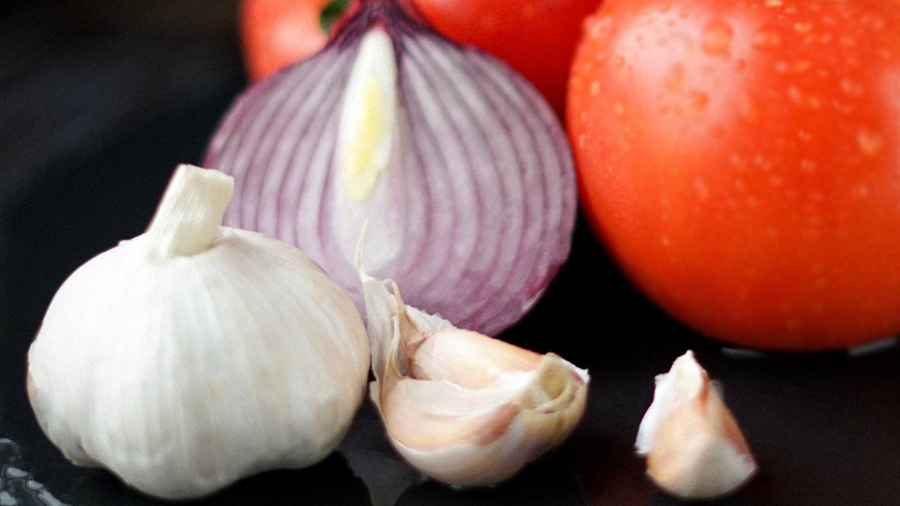 Eating garlic and onions daily may drastically cut breast cancer risk