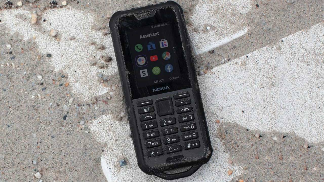 Nokia 800 Tough phone falls 1.8-meters to concrete, still runs WhatsApp