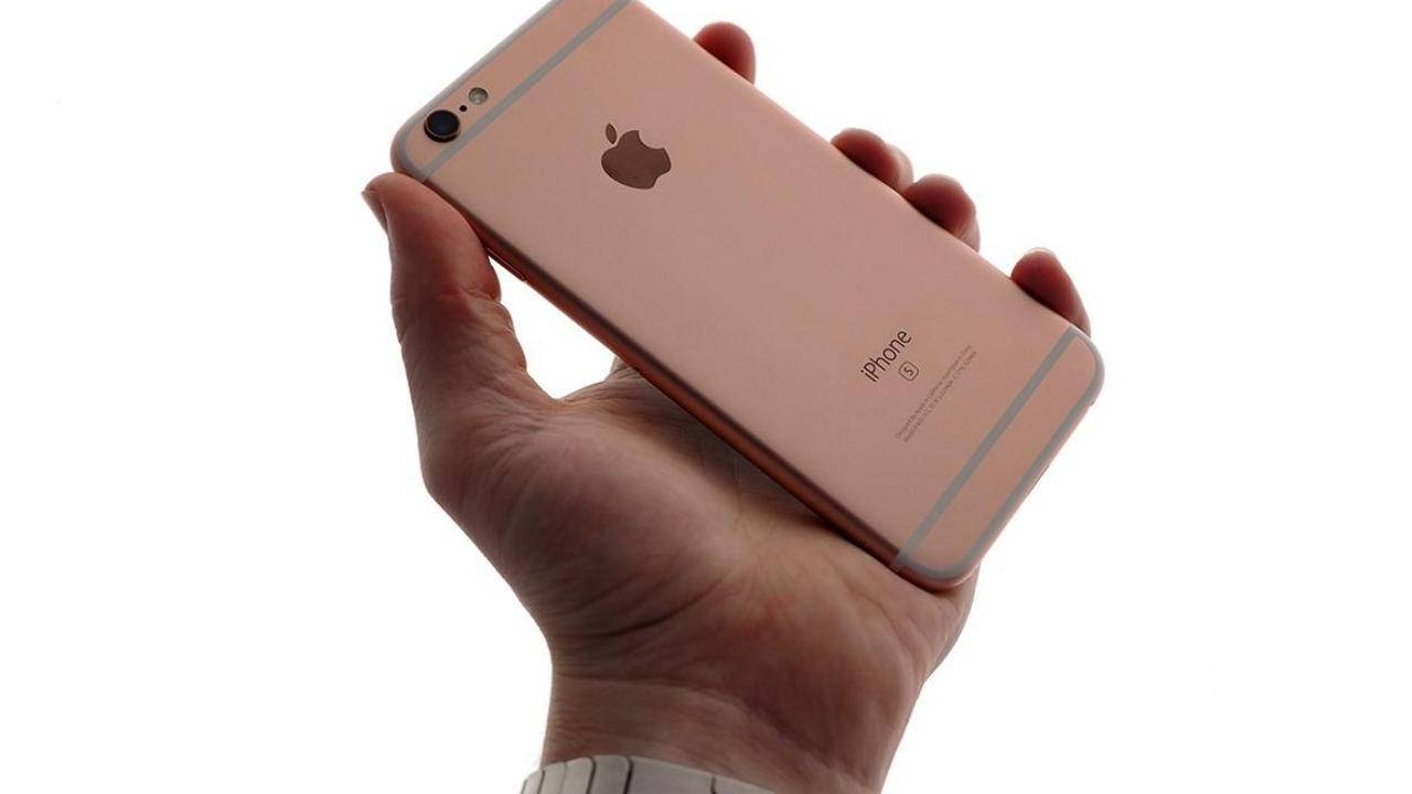 iPhone SE 2 coming early 2020 whether you like it or not