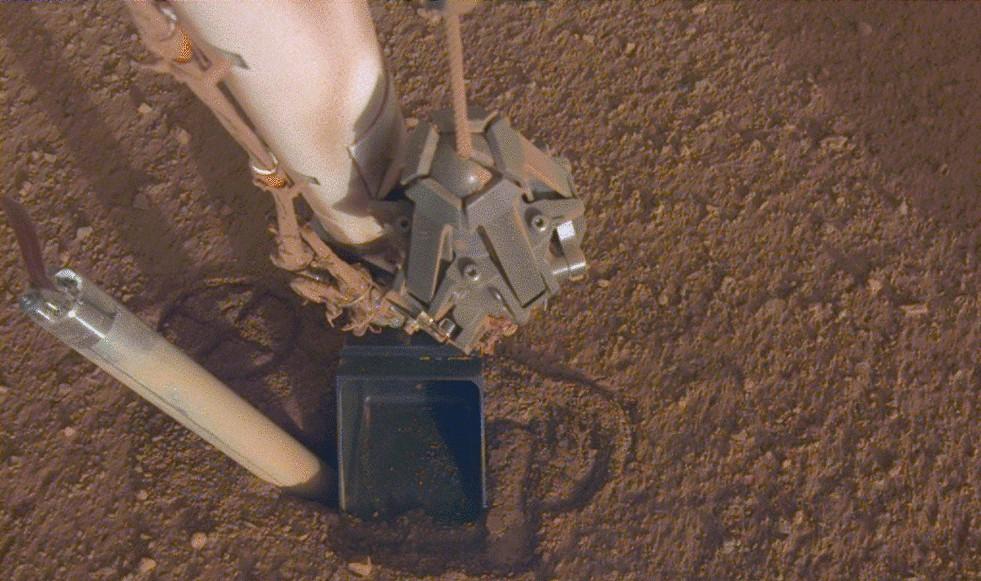 InSight Mars lander has a heat flow probe setback