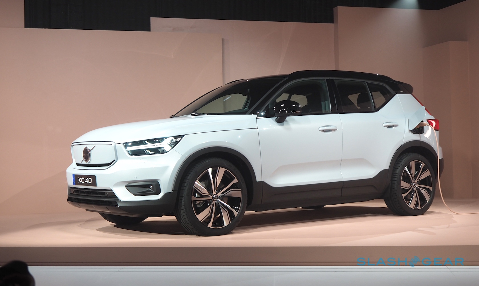 volvo xc40 recharge all-electric crossover revealed  range  speed  tech  price