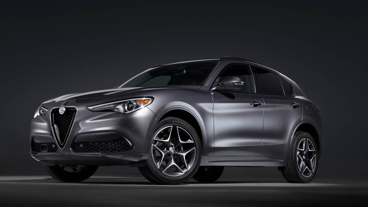 The 2020 Alfa Romeo Giulia and Stelvio get cabins to match ...